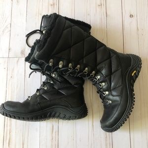 UGG Kintla Quilted Black Insulated Boots